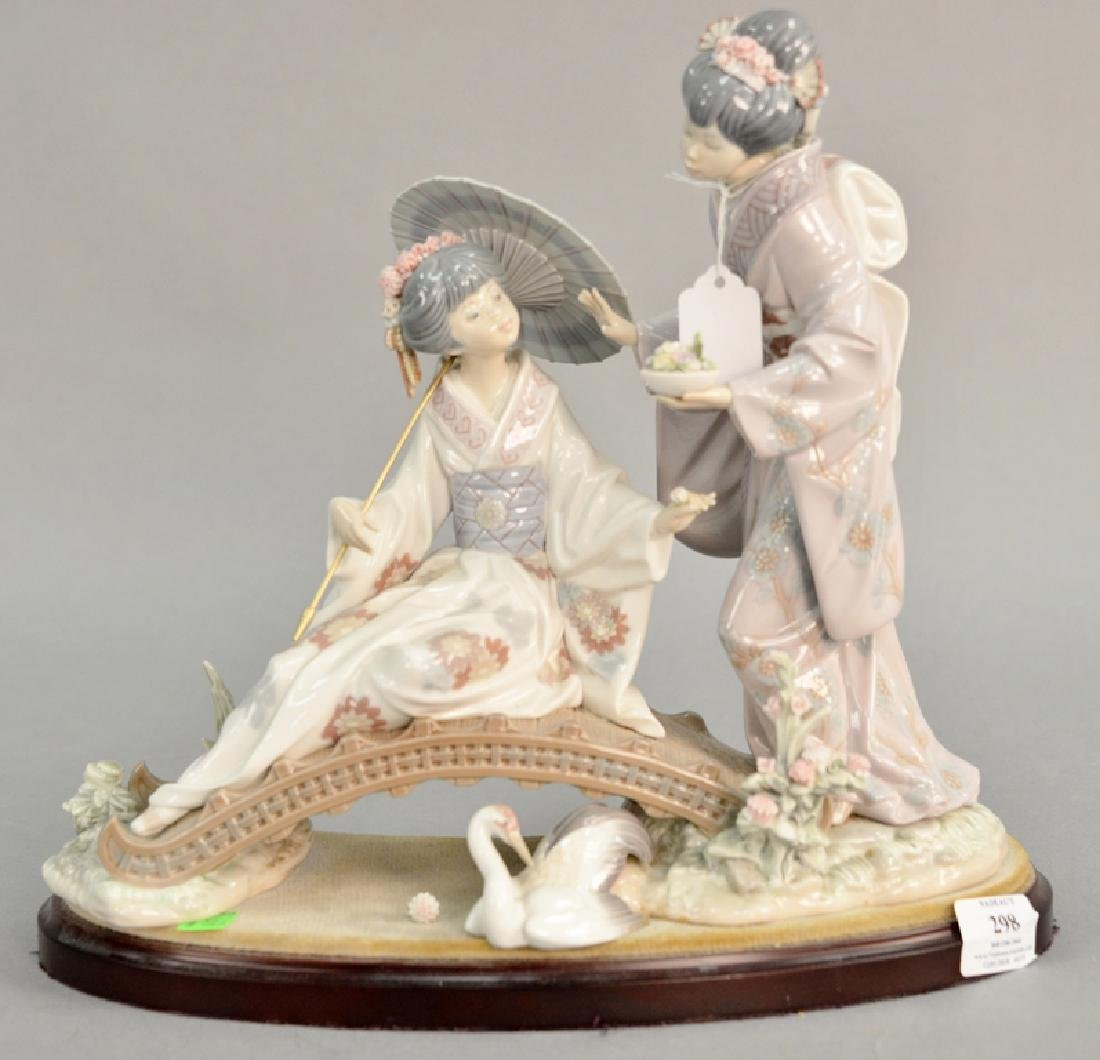 Lladro porcelain figurine having two Geisha girls on a