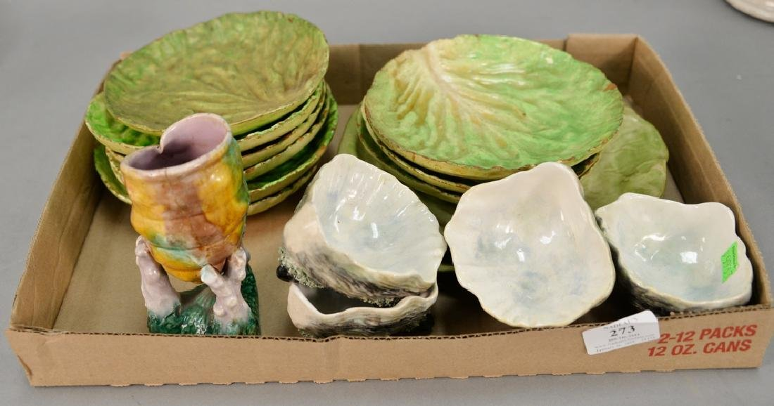 Tray lot with set of nine Italian cabbage leaf plates,