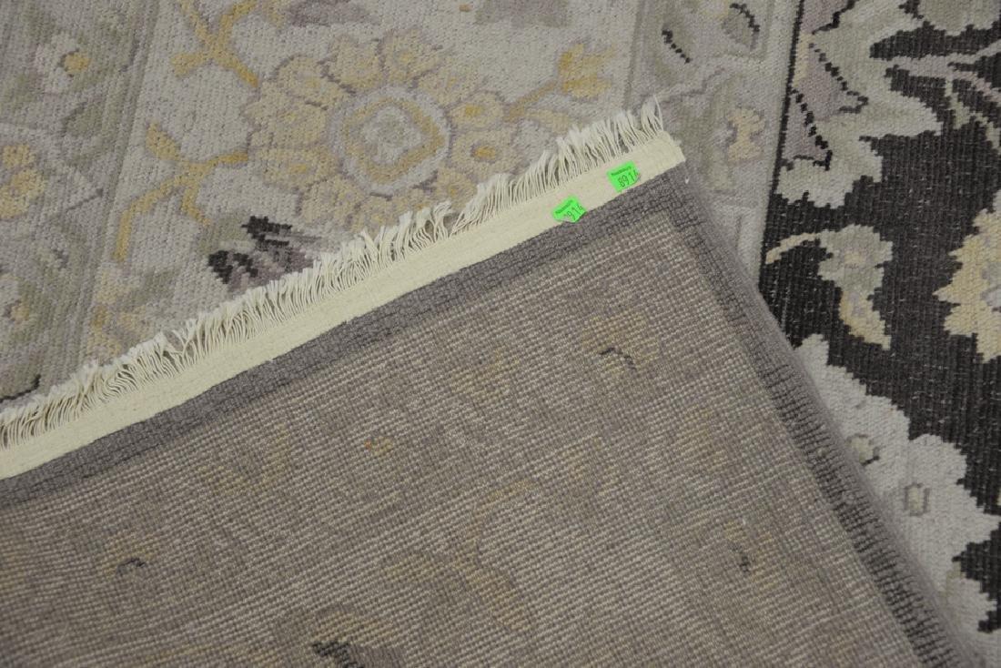 "Oriental carpet. 10' x 9'10"" - 6"