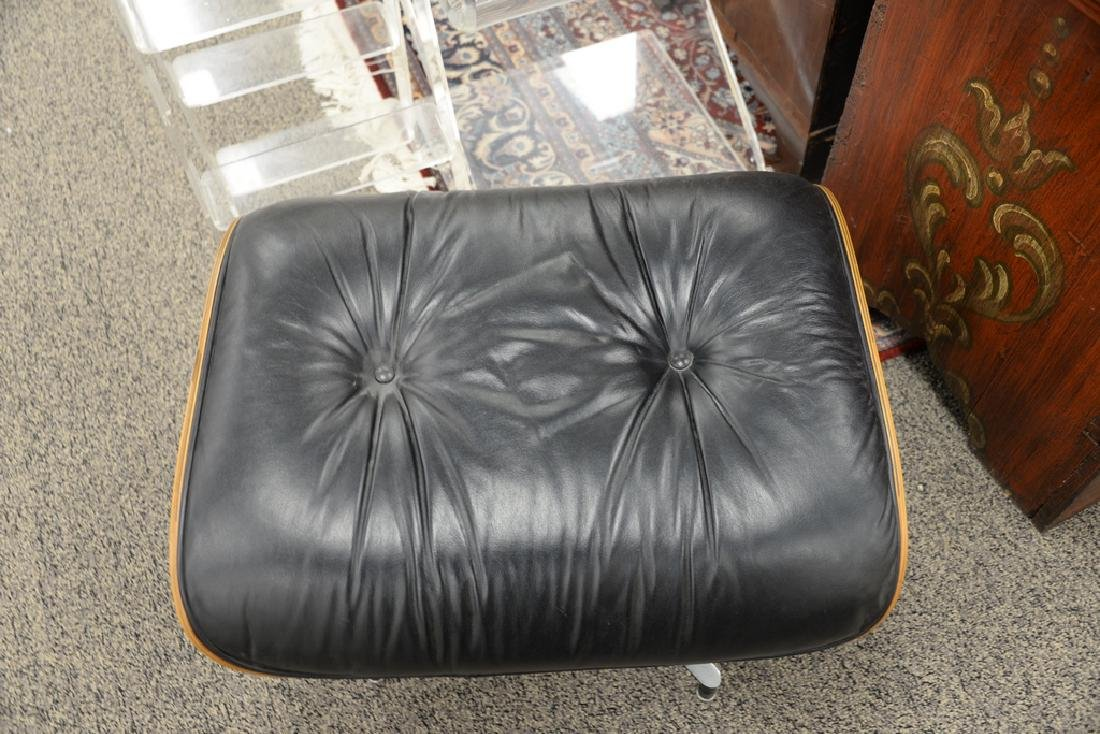 Eames chair ottoman, leather and rosewood. - 3