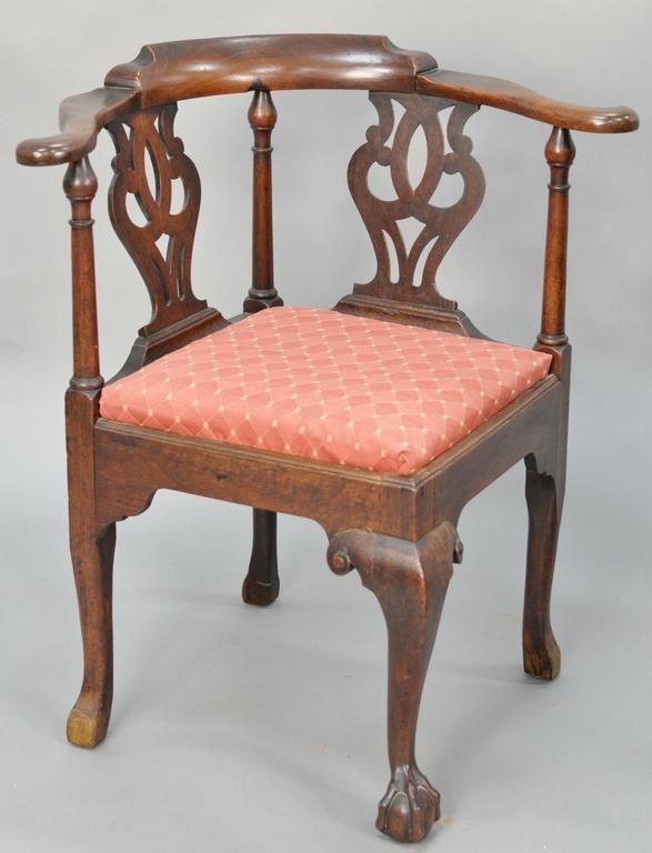 George II mahogany corner chair, having pierced carved
