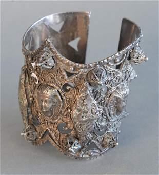 Middle Eastern Silver Cuff Bracelet 6 t.oz.