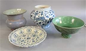 Four Chinese porcelain pieces, large Famille verte stem