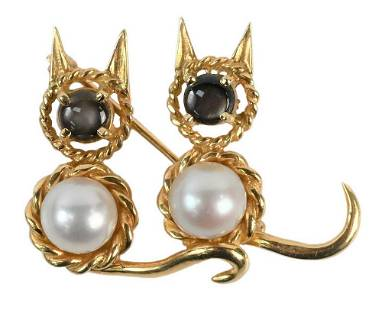 18 Karat Gold Double Cat Brooch, having pearl body and