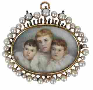 Victorian Brooch/Pin, having portrait of three young