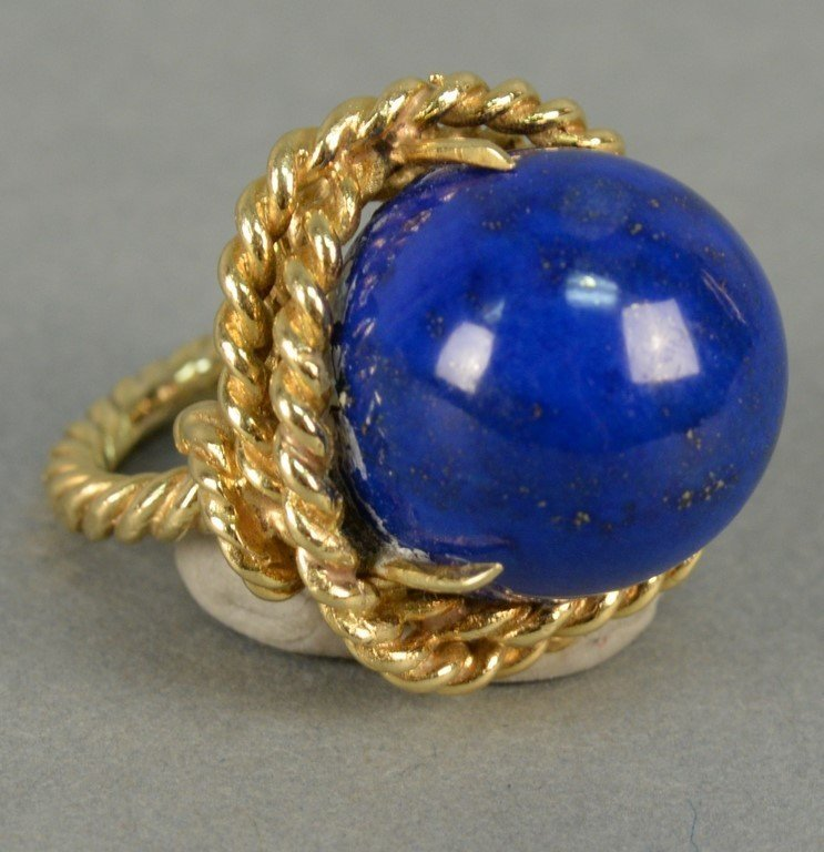 18K ring with large cabochon cut lapis, ring in rope