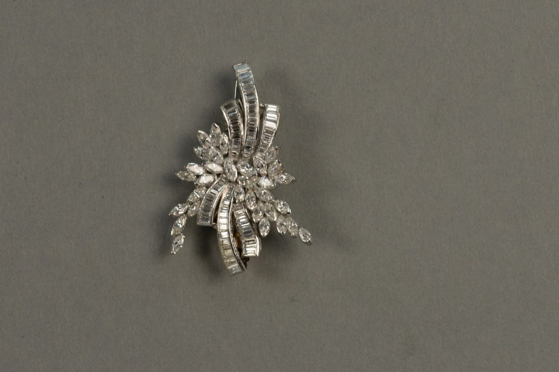 Platinum and diamond brooch/pendant set with marquis - 2