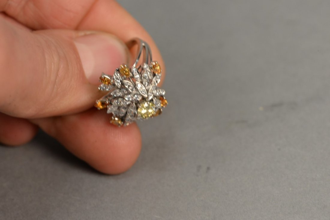 18K white gold cocktail ring set with center yellow - 9