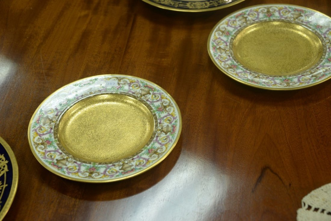 Set of twelve Minton luncheon plates with encrusted - 6