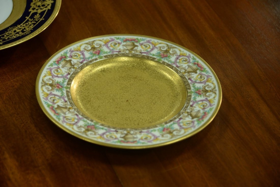 Set of twelve Minton luncheon plates with encrusted - 8