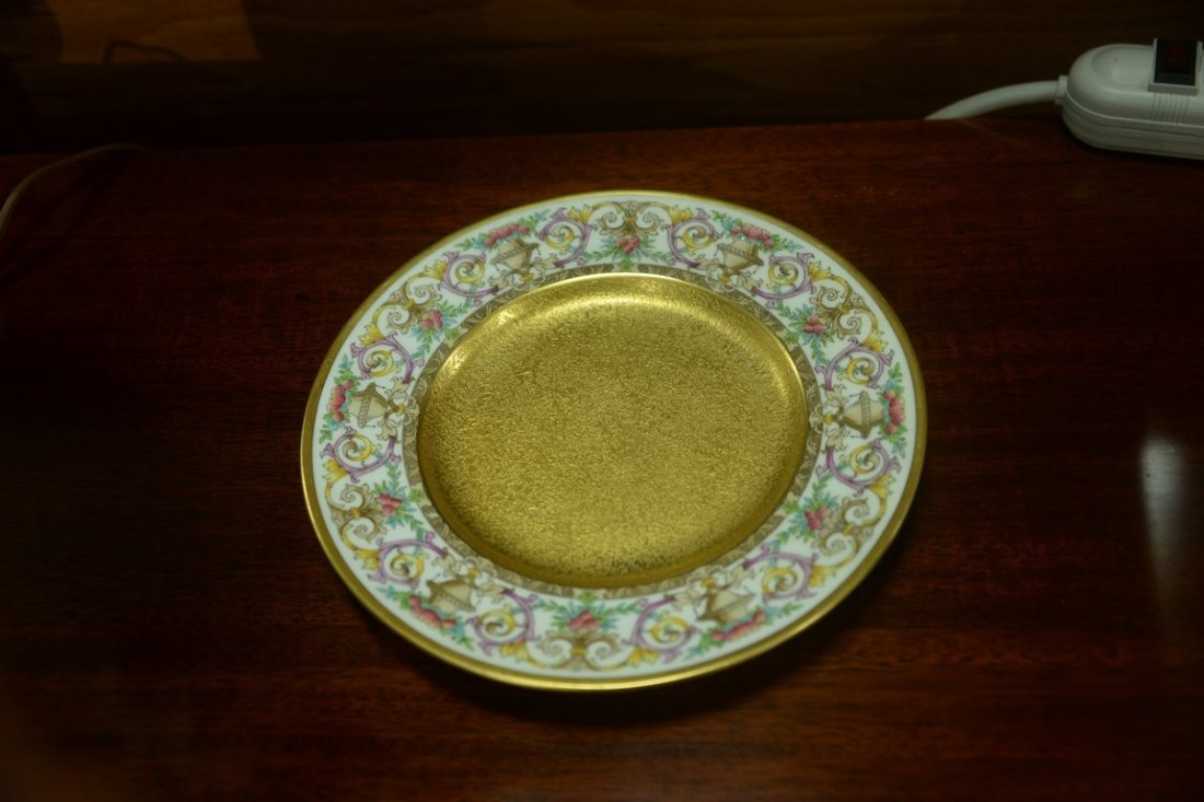 Set of twelve Minton luncheon plates with encrusted - 9