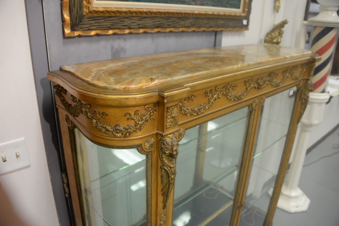 Louis XVI style gilt vitrine having onyx top on cabinet - 4