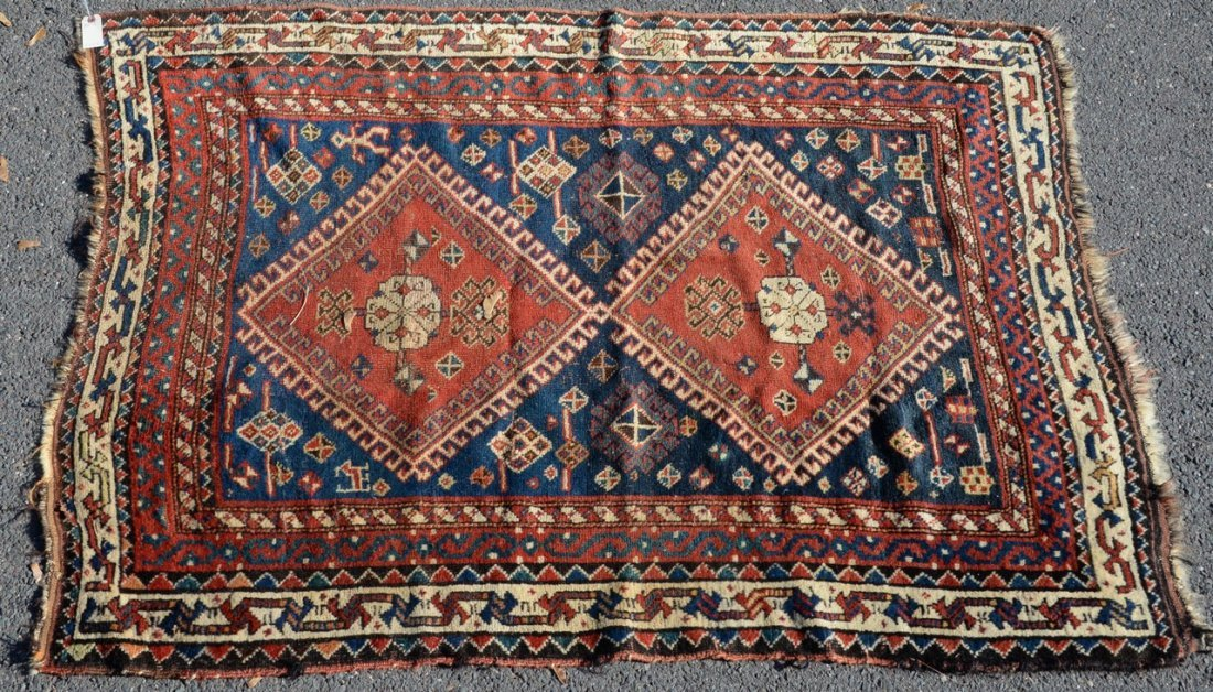 "Caucasian Oriental throw rug.  4' x 5'8"""