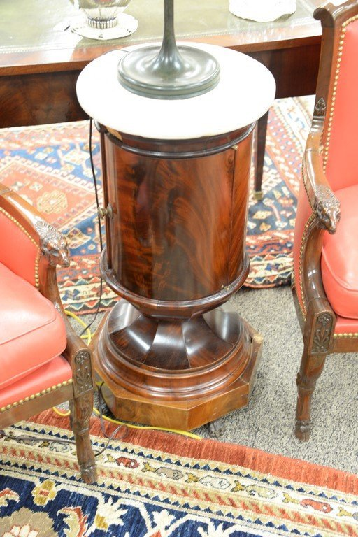 Pair of Empire round mahogany stands having marble tops - 2