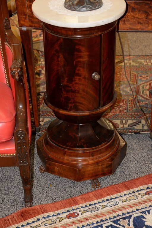 Pair of Empire round mahogany stands having marble tops - 5