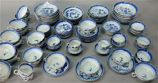 Eightytwo piece group of Chinese export porcelain