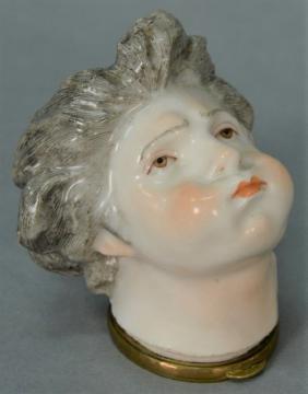 Rare Meissen porcelain figural Bonbonniere/snuff box in