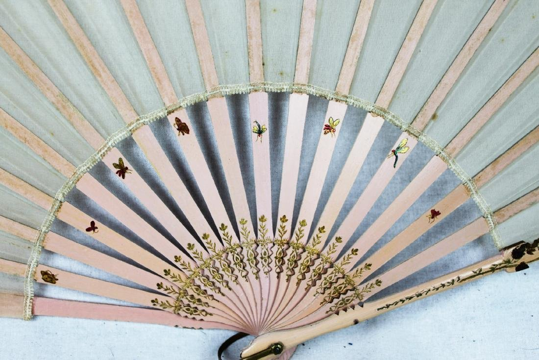 Chinese Folding Fan made with silk. - 6