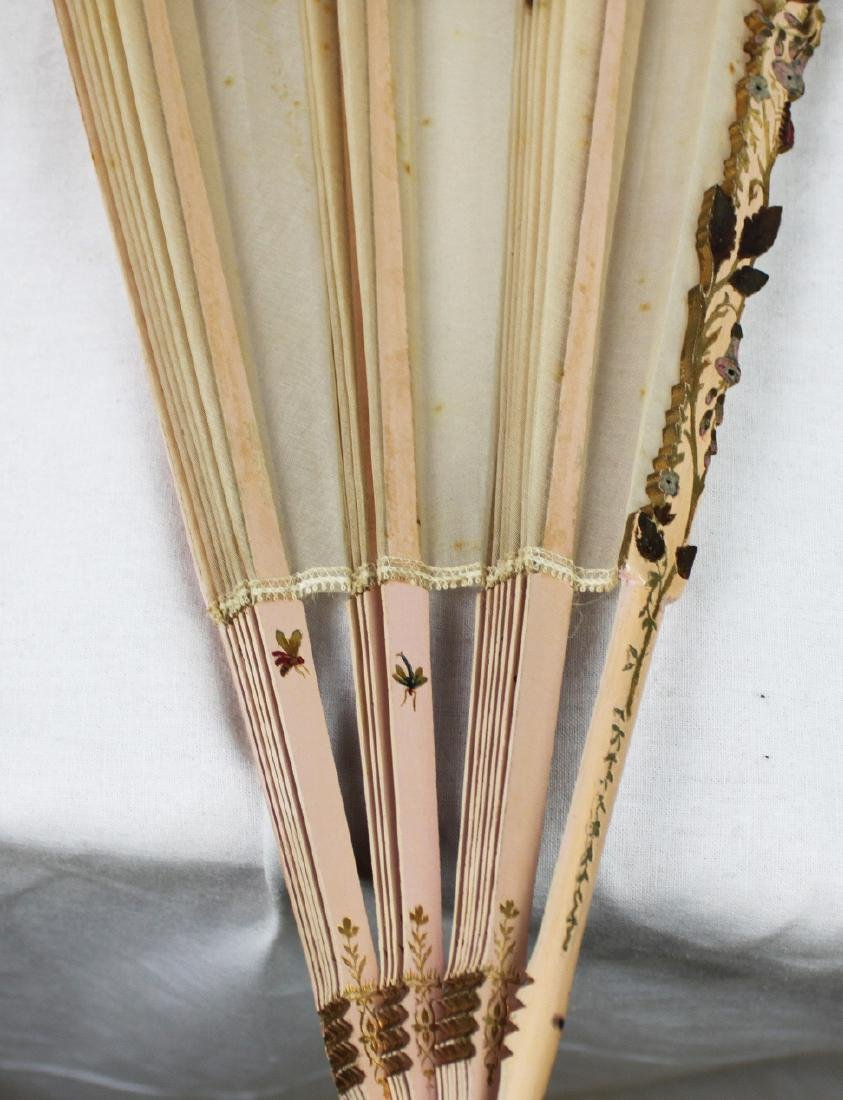 Chinese Folding Fan made with silk. - 8