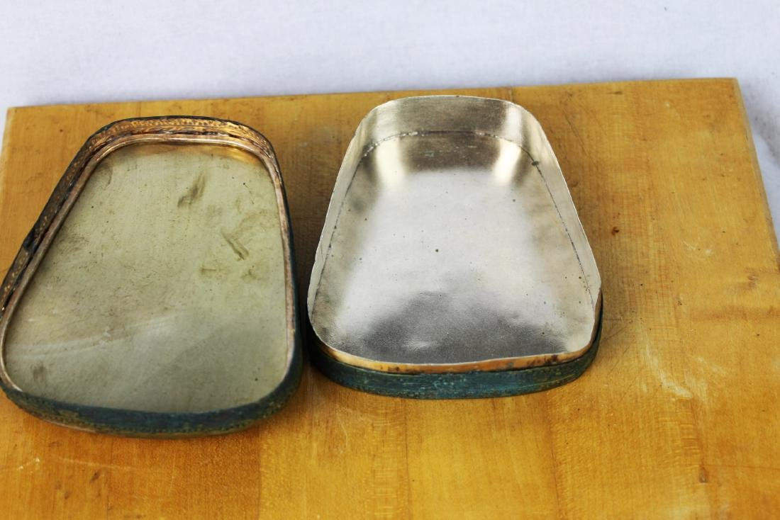 Two Chinese Antique Porcelain Boxes - 3
