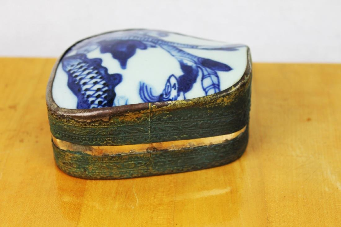 Two Chinese Antique Porcelain Boxes - 4