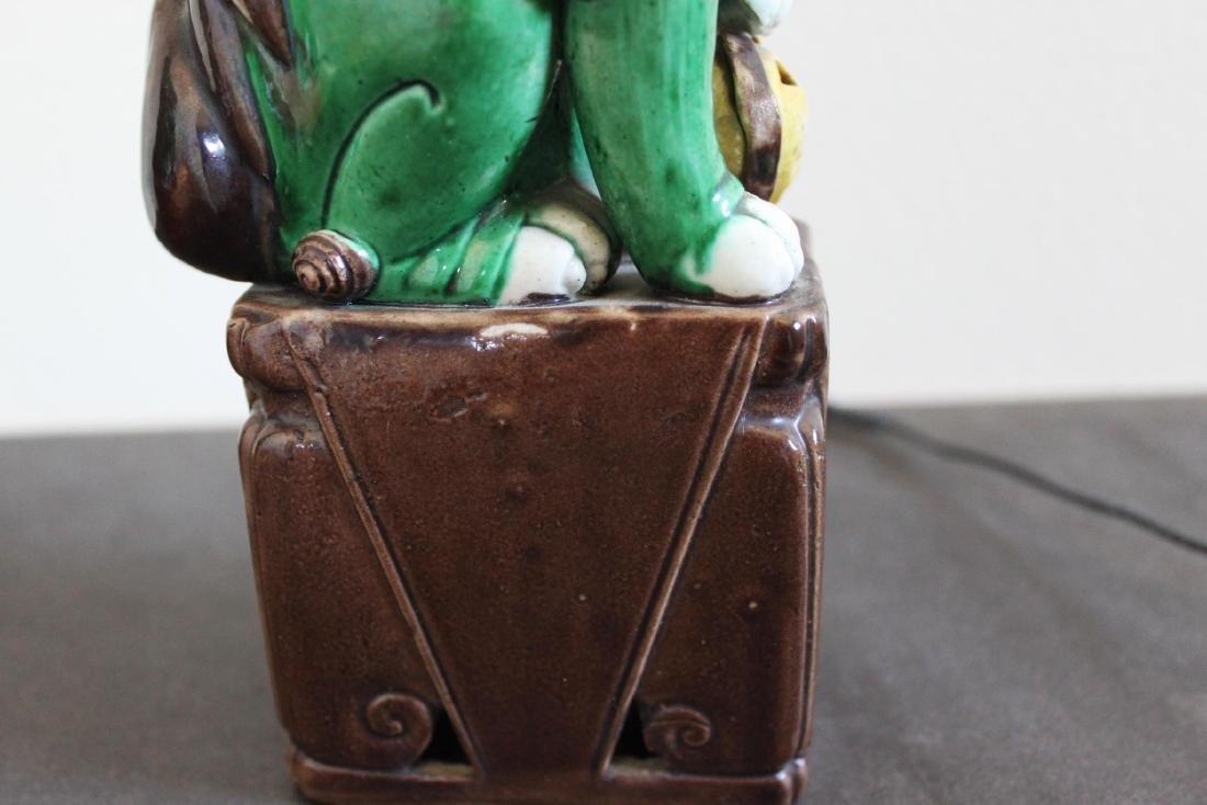 Antique Chinese Porcelain Lion Statues - 8