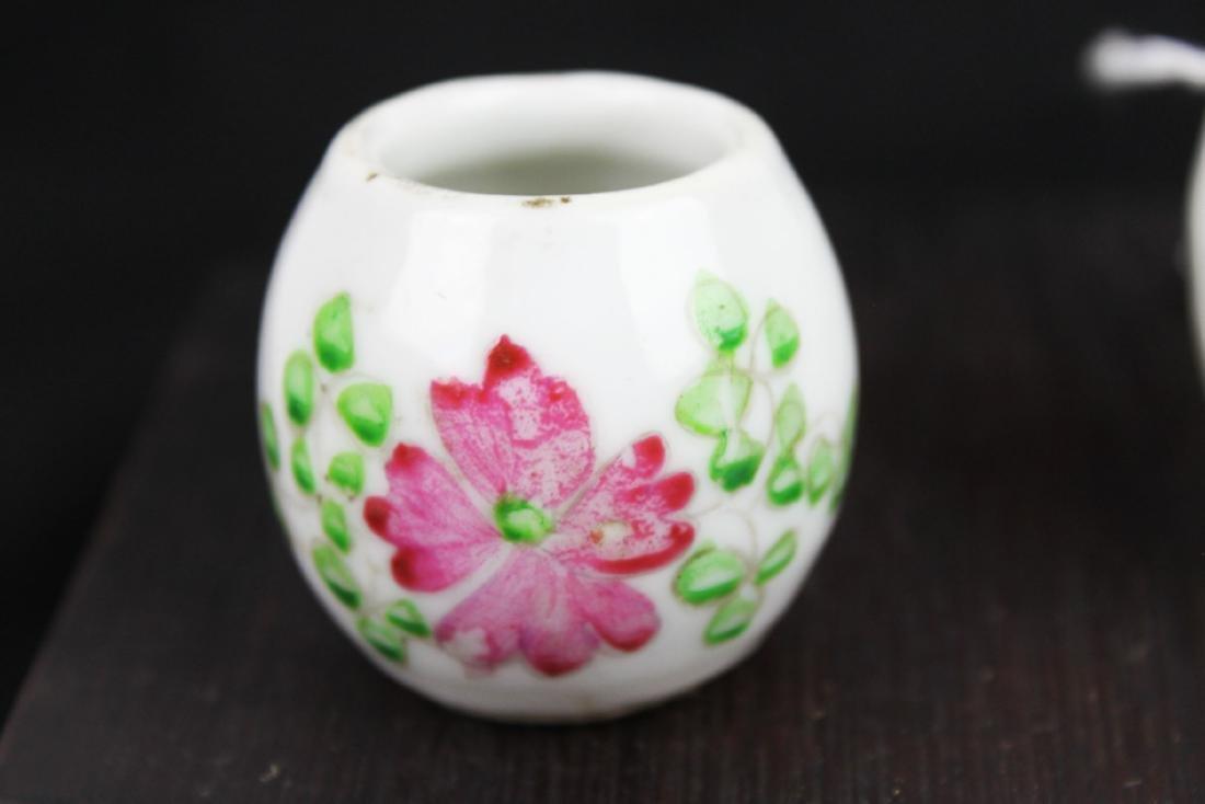 Antique Chinese Porcelain Bird's Food pot - 2