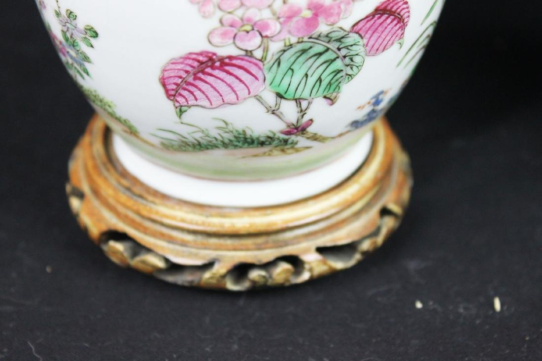 Antique Chinese Porcelain Vase - 6