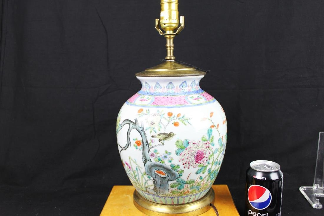 Antique Chinese Wucai Porcelain Lamp