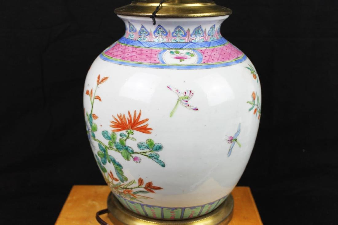 Antique Chinese Wucai Porcelain Lamp - 5