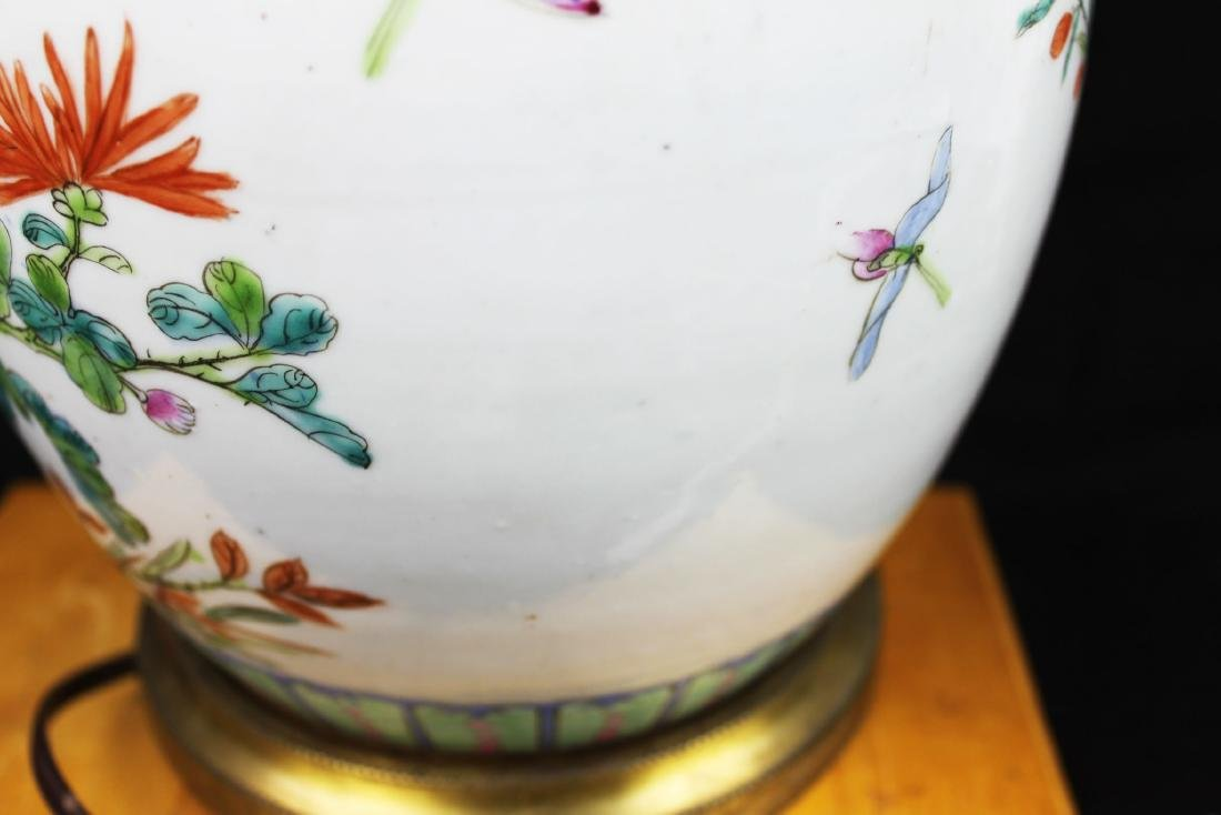 Antique Chinese Wucai Porcelain Lamp - 7