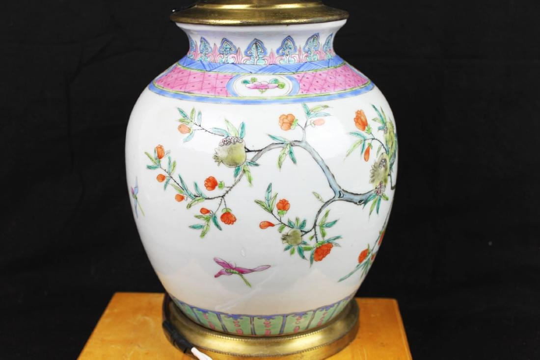 Antique Chinese Wucai Porcelain Lamp - 8