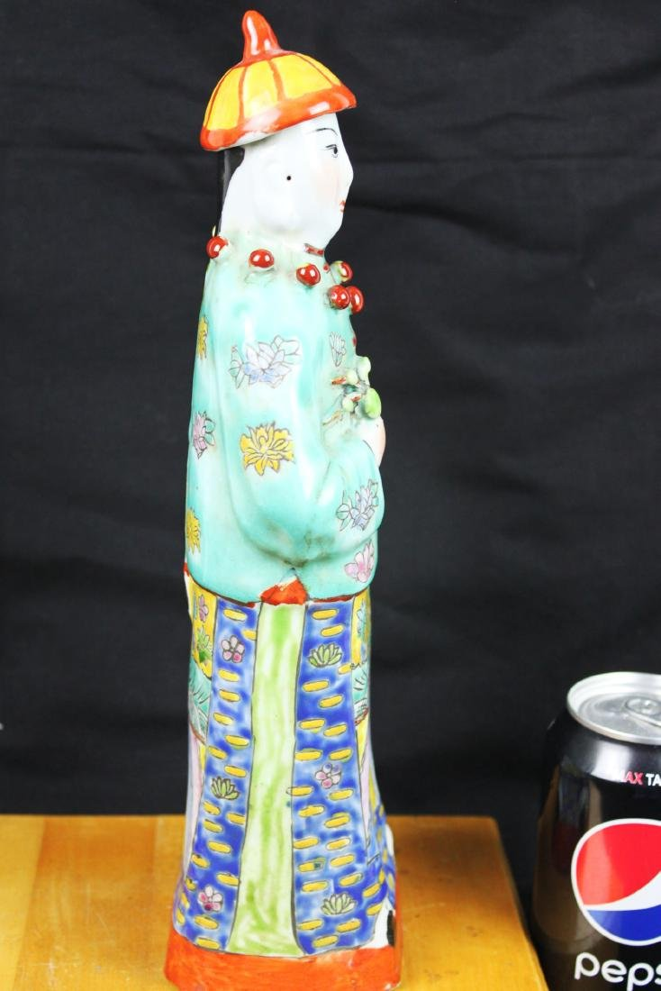 Antique Chinese Porcelain Statue - 7