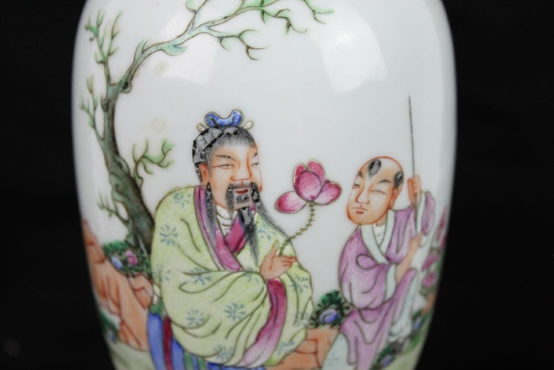 Antique Chinese Wucai Porcelain Vase - 4