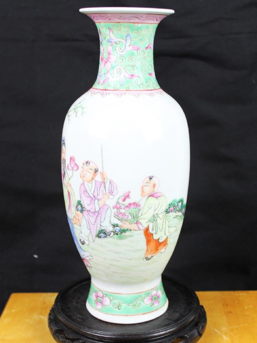 Antique Chinese Wucai Porcelain Vase - 7