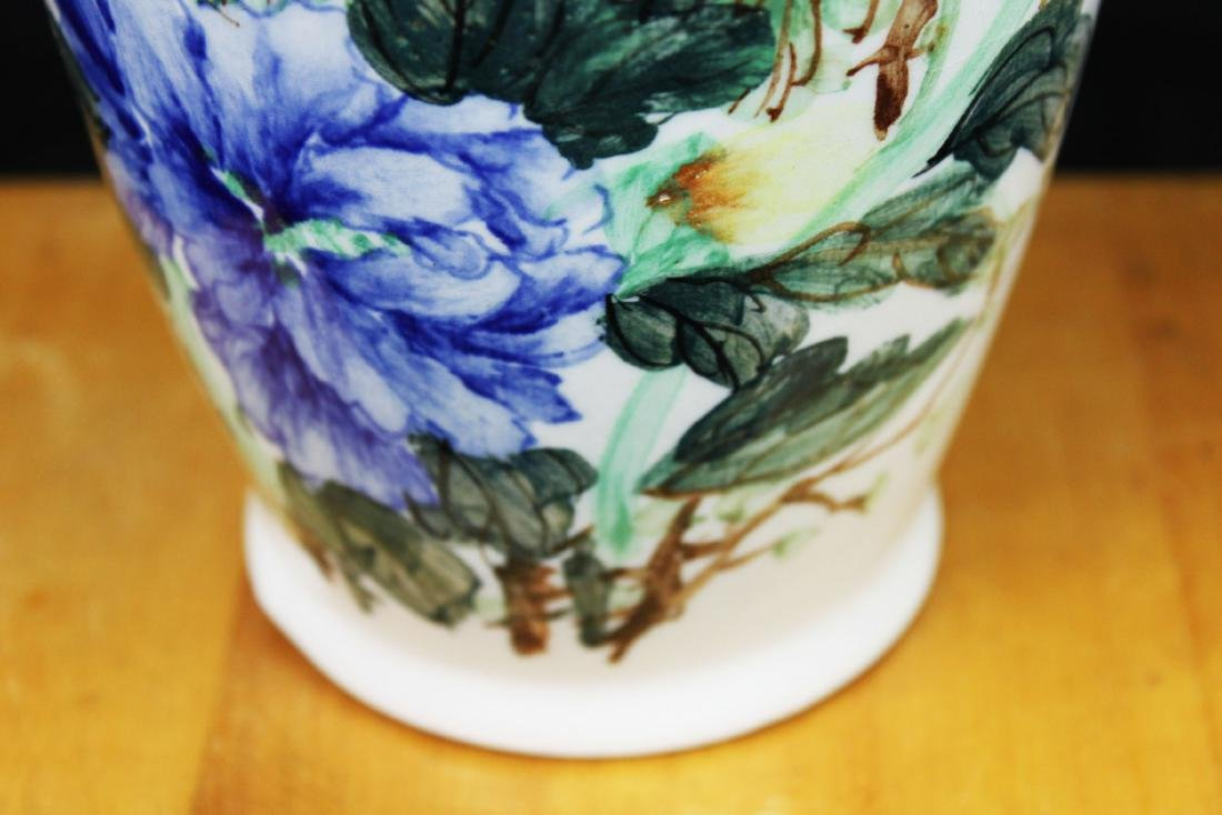 Antique Chinese Porcelain Vase 1900s - 5