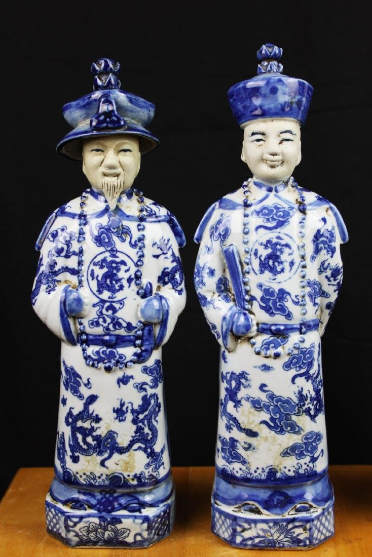 A Pair Chinese Porcelain Statue