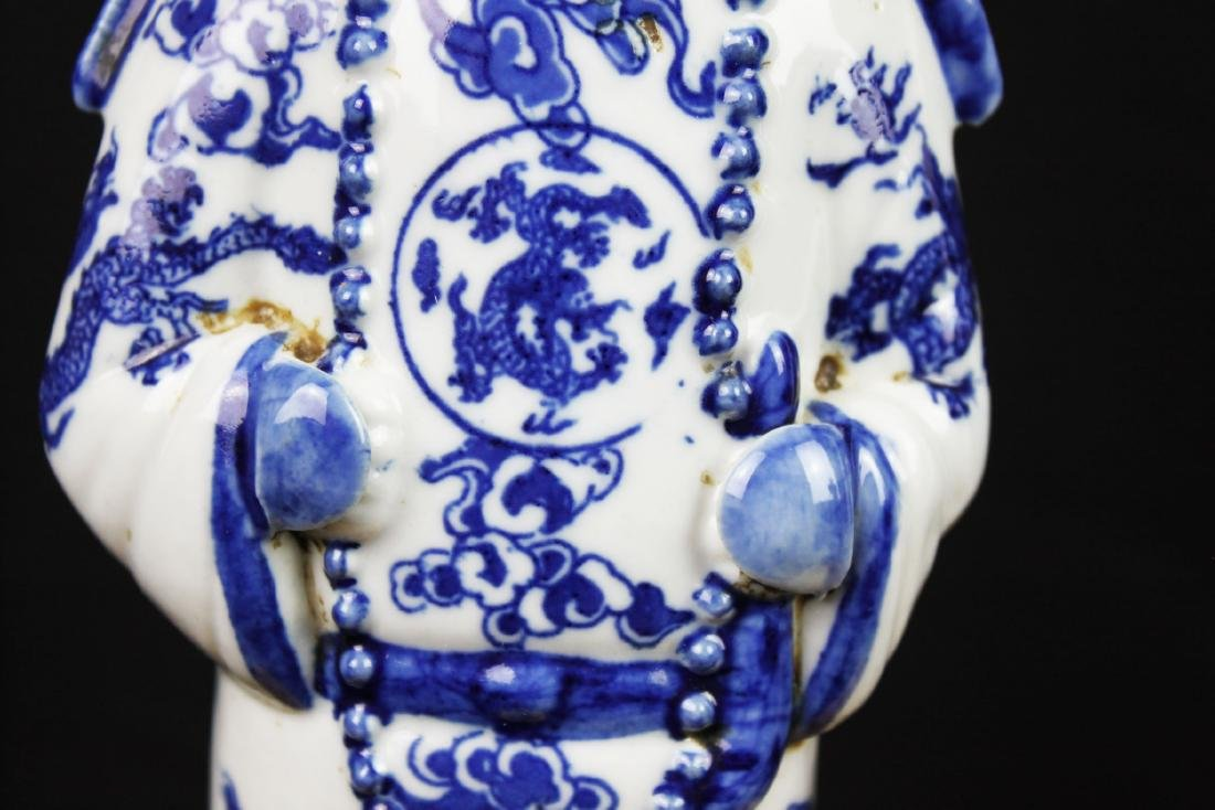A Pair Chinese Porcelain Statue - 5