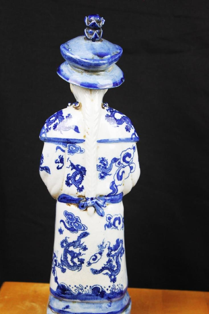 A Pair Chinese Porcelain Statue - 9