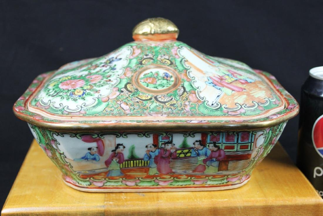 Anituqe Chinese Famillie Rose Porcelain Bowl