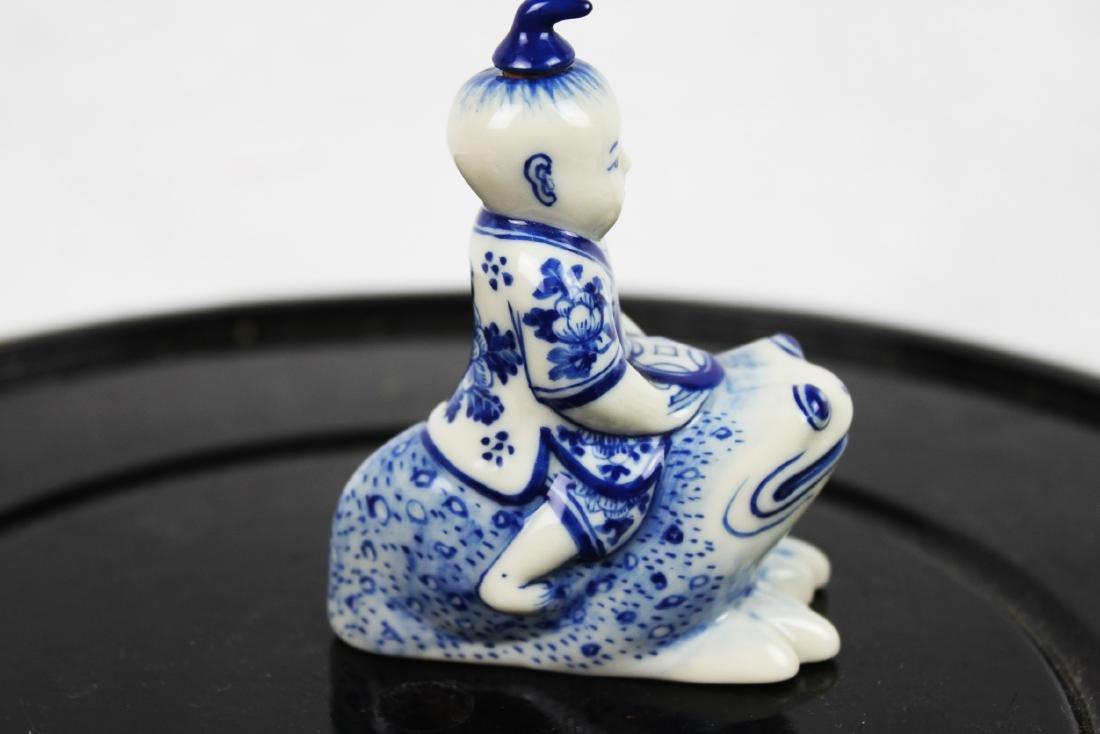Blue&White Porcelain Snuff Bottle - 4
