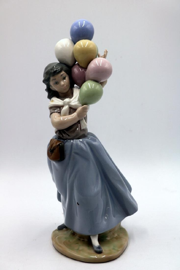 "Lladro ""Balloon Seller"" #5141 Porcelain Figure"