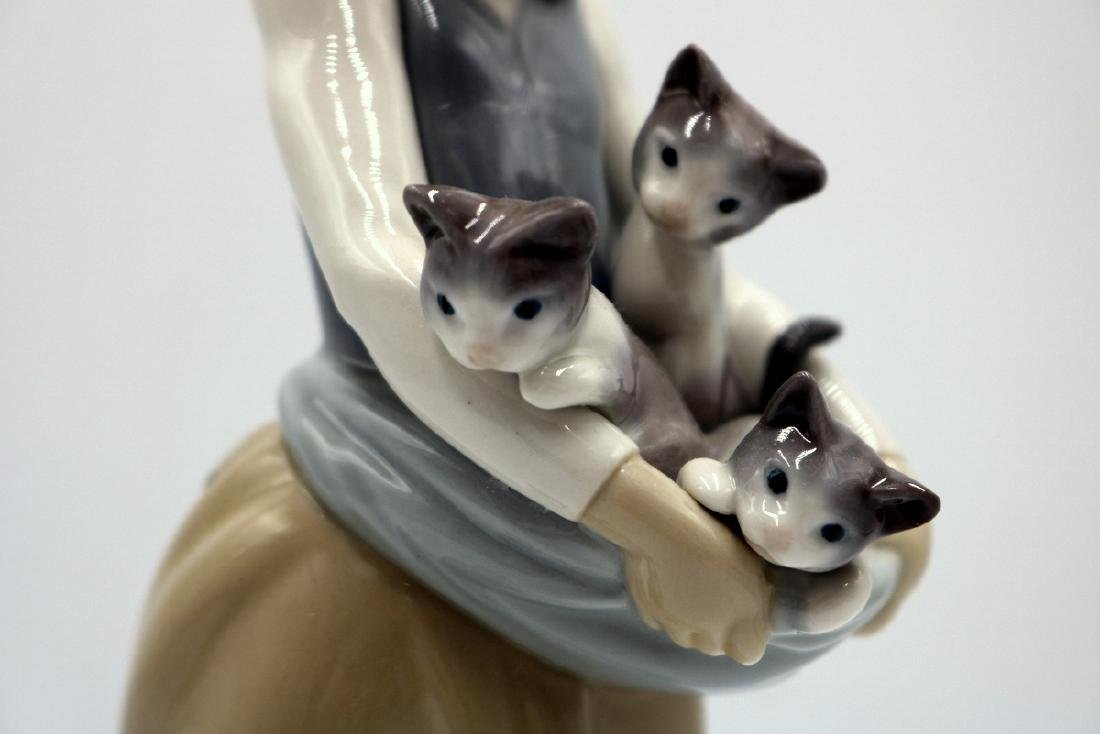"Lladro ""Following Her Cats"" #1309 Porcelain Group - 2"