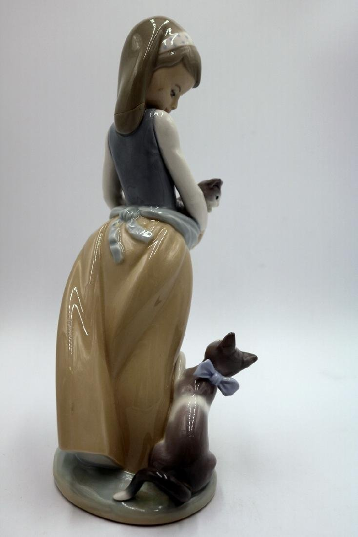 "Lladro ""Following Her Cats"" #1309 Porcelain Group - 5"