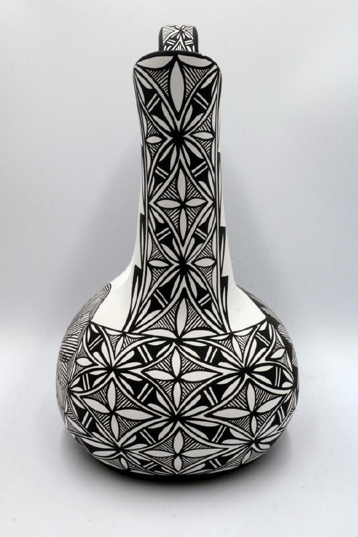 Native American Sun Flower Taos Black & White Pottery - 4