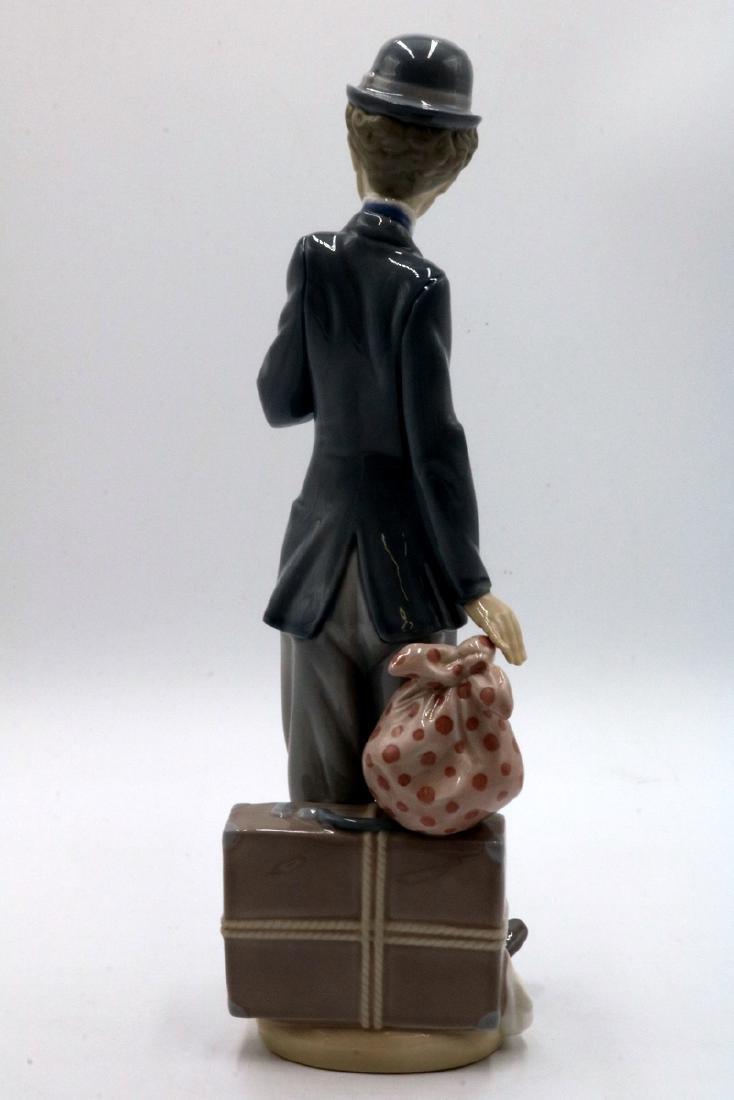 "Lladro ""Charlie the Tramp"" #5233 Porcelain Figure - 6"