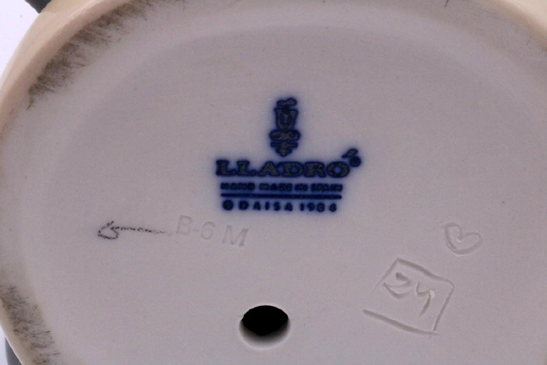 "Lladro ""Charlie the Tramp"" #5233 Porcelain Figure - 7"