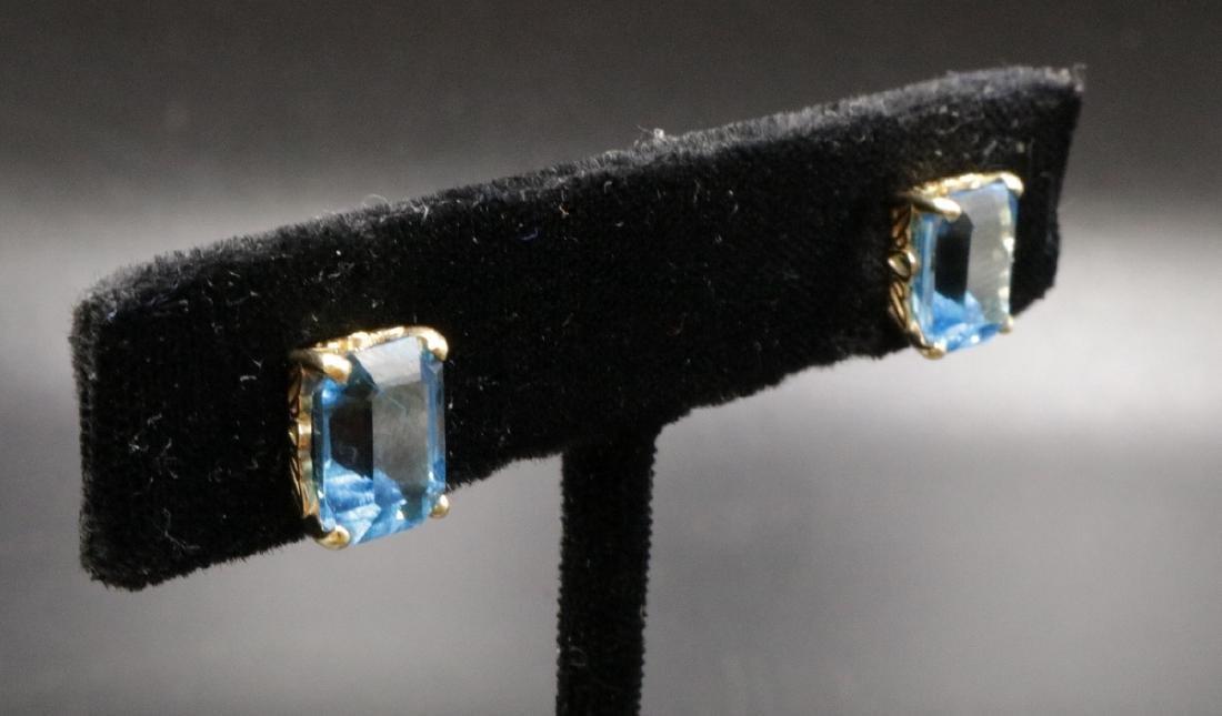 14Kt YG Blue Topaz Earrings - 3