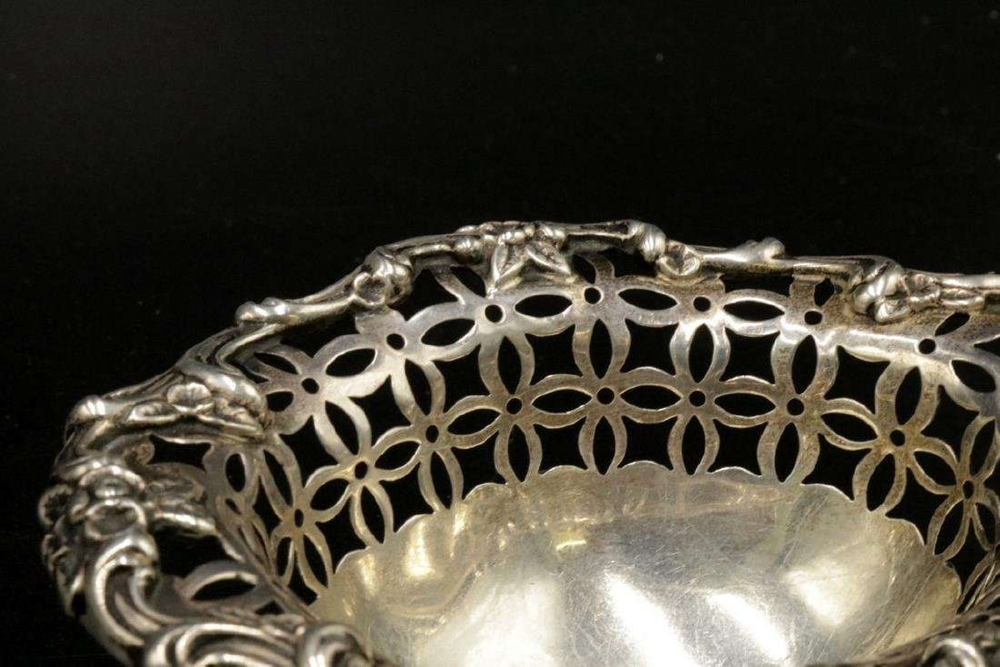 Reticulated Sterling Footed Salt Cellar - 2