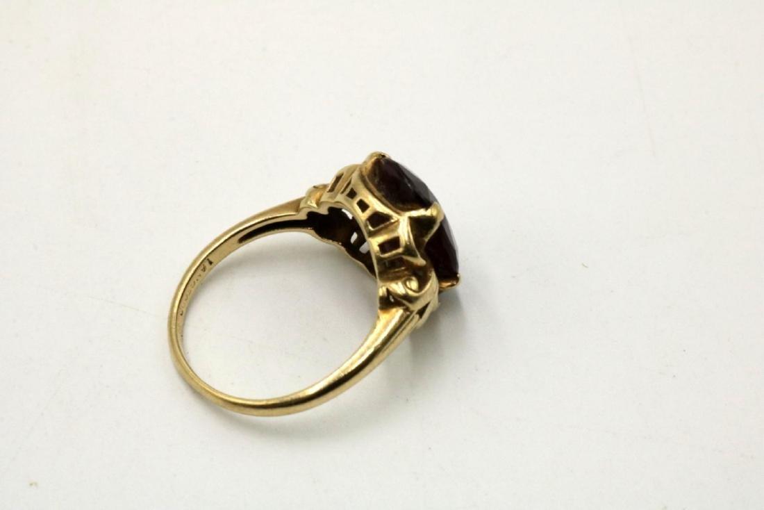 10Kt Garnet Ring - 2